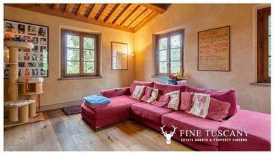 Villa-for-sale-in-Cevoli--Casciana-Terme--Pisa--Tuscany--Italy-2