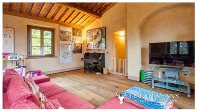 Villa-for-sale-in-Cevoli--Casciana-Terme--Pisa--Tuscany--Italy-4