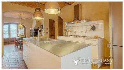 Villa-for-sale-in-Cevoli--Casciana-Terme--Pisa--Tuscany--Italy-23