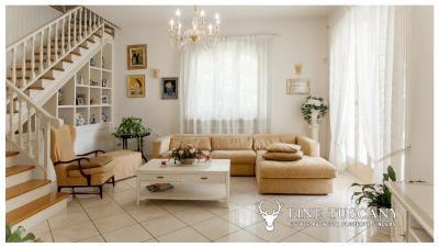 Villa-for-sale-in-Viareggio-Lucca-Tuscany-Italy-6