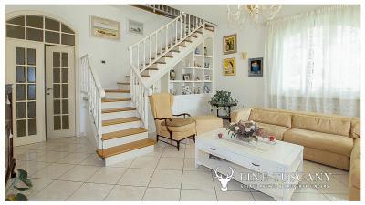 Villa-for-sale-in-Viareggio-Lucca-Tuscany-Italy-10