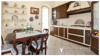 Villa-for-sale-in-Viareggio-Lucca-Tuscany-Italy-12