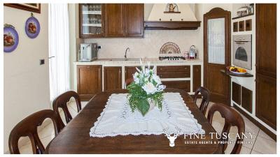 Villa-for-sale-in-Viareggio-Lucca-Tuscany-Italy-15