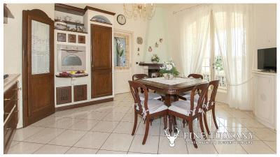 Villa-for-sale-in-Viareggio-Lucca-Tuscany-Italy-20