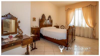 Villa-for-sale-in-Viareggio-Lucca-Tuscany-Italy-26