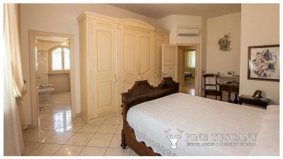 Villa-for-sale-in-Viareggio-Lucca-Tuscany-Italy-27