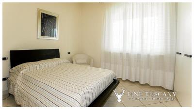 Villa-for-sale-in-Viareggio-Lucca-Tuscany-Italy-33