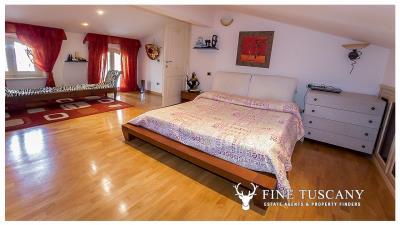 Villa-for-sale-in-Viareggio-Lucca-Tuscany-Italy-39