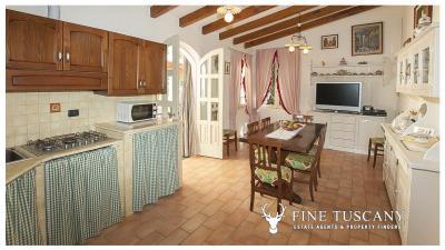 Villa-for-sale-in-Viareggio-Lucca-Tuscany-Italy-51