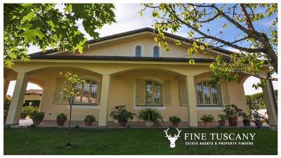 Villa-for-sale-in-Viareggio-Lucca-Tuscany-Italy-59