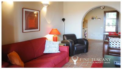 2-Bedroom-property-for-sale-in-Orciatico--Lajatico--Pisa--Tuscany--Italy-3