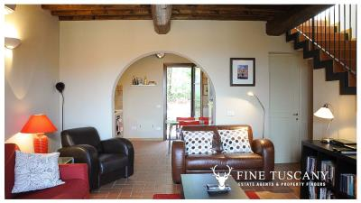 2-Bedroom-property-for-sale-in-Orciatico--Lajatico--Pisa--Tuscany--Italy-2