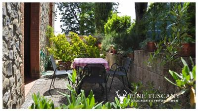 2-Bedroom-property-for-sale-in-Orciatico--Lajatico--Pisa--Tuscany--Italy-6