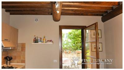 2-Bedroom-property-for-sale-in-Orciatico--Lajatico--Pisa--Tuscany--Italy-8