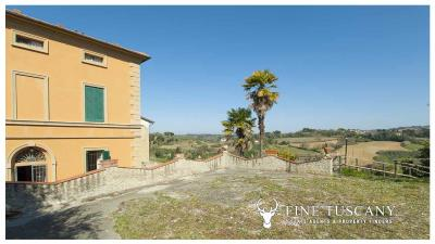 Period-villa-for-sale-in-Crespina-Lorenzana-Tuscany-8