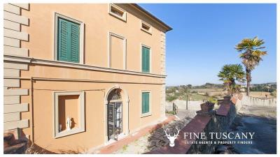 Period-villa-for-sale-in-Crespina-Lorenzana-Tuscany-5