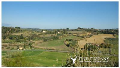 Period-villa-for-sale-in-Crespina-Lorenzana-Tuscany-9