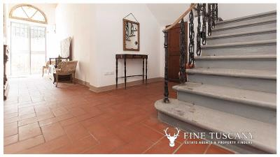 Period-villa-for-sale-in-Crespina-Lorenzana-Tuscany-25
