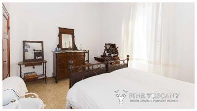 Period-villa-for-sale-in-Crespina-Lorenzana-Tuscany-33