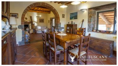 Country-house-for-sale-in-Canneto--Monteverdi-Marittimo--Tuscany-10