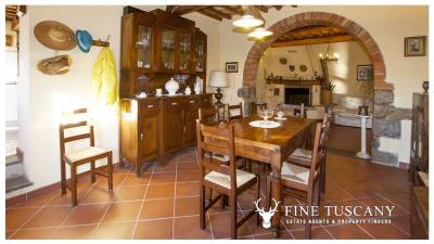 Country-house-for-sale-in-Canneto--Monteverdi-Marittimo--Tuscany-11
