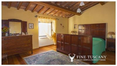 Country-house-for-sale-in-Canneto--Monteverdi-Marittimo--Tuscany-17