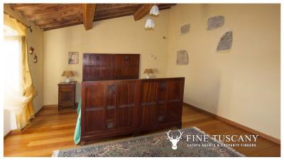 Country-house-for-sale-in-Canneto--Monteverdi-Marittimo--Tuscany-18
