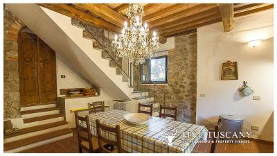 Country-house-for-sale-in-Canneto--Monteverdi-Marittimo--Tuscany-28