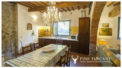 Country-house-for-sale-in-Canneto--Monteverdi-Marittimo--Tuscany-30
