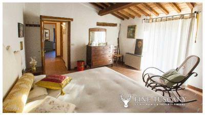 Country-house-for-sale-in-Canneto--Monteverdi-Marittimo--Tuscany-34