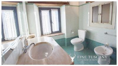 Country-house-for-sale-in-Canneto--Monteverdi-Marittimo--Tuscany-36