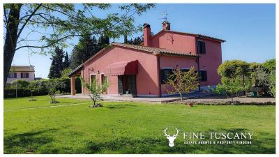 Villa-for-sale-in-Roccastrada-Grosseto-Tuscany-0