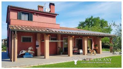 Villa-for-sale-in-Roccastrada-Grosseto-Tuscany-4