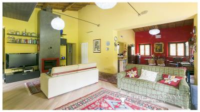 Villa-for-sale-in-Roccastrada-Grosseto-Tuscany-7