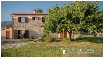 Rural-Country-House-for-sale-in-Sorano-Grosseto-Maremma-Tuscany-Italy-2