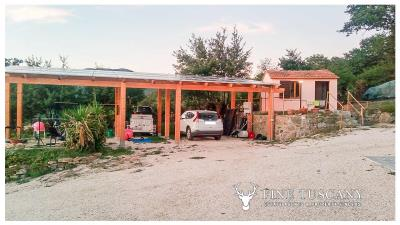 Rural-Country-House-for-sale-in-Sorano-Grosseto-Maremma-Tuscany-Italy-13
