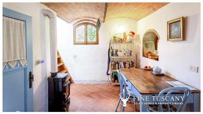 Character-property-for-sale-in-Volterra-Pisa-Tuscany-Italy-23