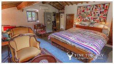 Character-property-for-sale-in-Volterra-Pisa-Tuscany-Italy-41