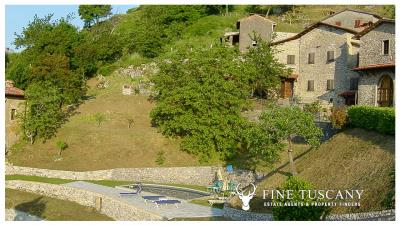 3-Stone-Houses-with-pool-in-Molazzana-Lucca-Tuscany-7