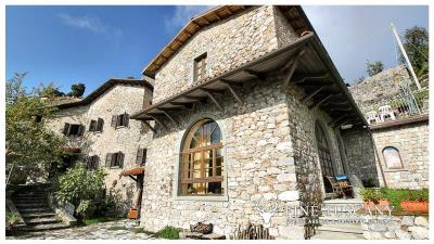 3-Stone-Houses-with-pool-in-Molazzana-Lucca-Tuscany-15