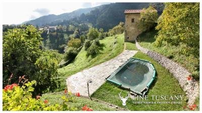 3-Stone-Houses-with-pool-in-Molazzana-Lucca-Tuscany-14