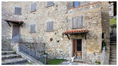 3-Stone-Houses-with-pool-in-Molazzana-Lucca-Tuscany-21