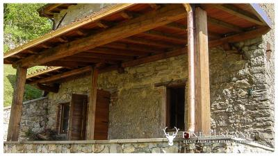 3-Stone-Houses-with-pool-in-Molazzana-Lucca-Tuscany-31