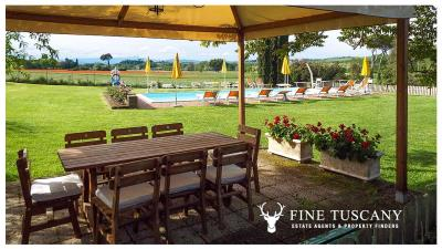 Property-with-pool-and-land-for-sale-in-Monteroni-d-Arbia--Chianti--Siena--Tuscany--Italy-3