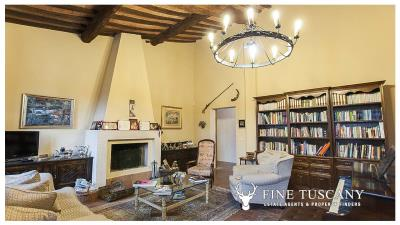 Property-with-pool-and-land-for-sale-in-Monteroni-d-Arbia--Chianti--Siena--Tuscany--Italy-21