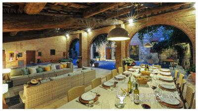 Property-with-pool-and-land-for-sale-in-Monteroni-d-Arbia--Chianti--Siena--Tuscany--Italy-46