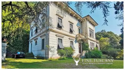Period-Villa-with-Outbuilding-for-sale-in-Bagni-di-Lucca--Tuscany--Italy-2