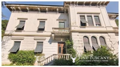 Period-Villa-with-Outbuilding-for-sale-in-Bagni-di-Lucca--Tuscany--Italy-5