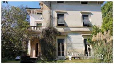 Period-Villa-with-Outbuilding-for-sale-in-Bagni-di-Lucca--Tuscany--Italy-6