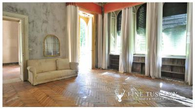 Period-Villa-with-Outbuilding-for-sale-in-Bagni-di-Lucca--Tuscany--Italy-10